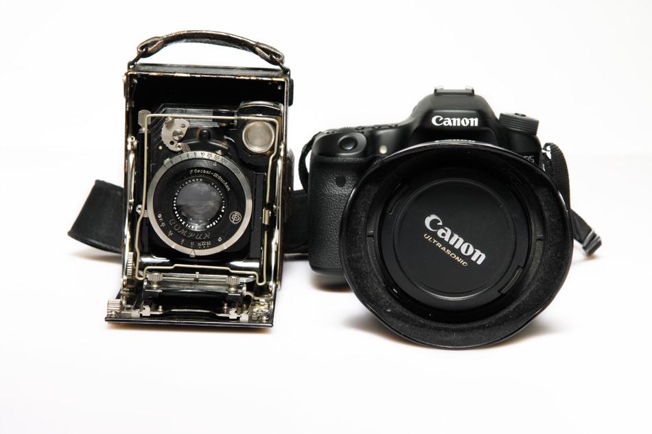 Kamera wielkoformatowa Vs lustrzanka cyfrowa. Fot. Małgorzata Bardoń