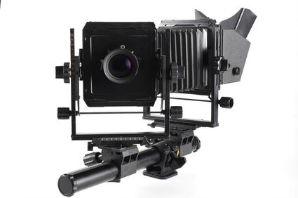 Nowoczesne kamery pozwalają na dużą łatwość pracy. Koszt takiego aparatu na rynku wtórnym wyniesie ok dwa tysiące złotych